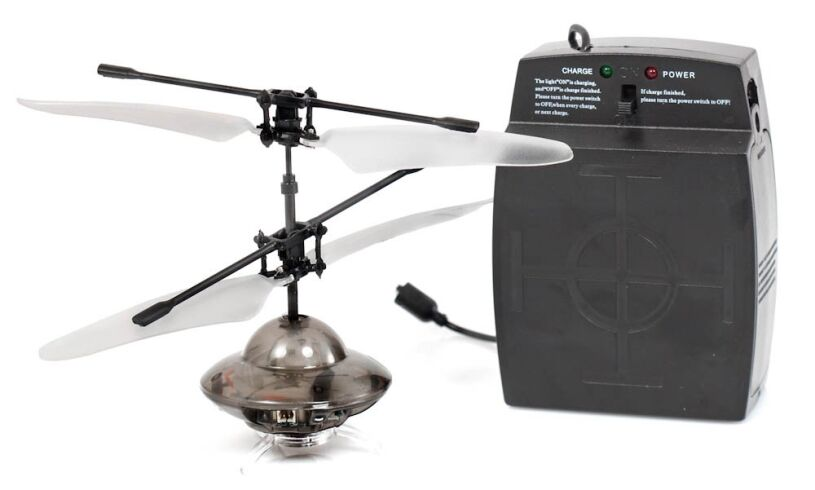 Flying UFO with remote