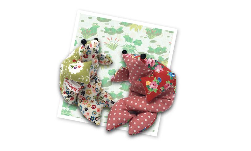 Crafty Kit Co Beanbag Frogs Sewing Kit