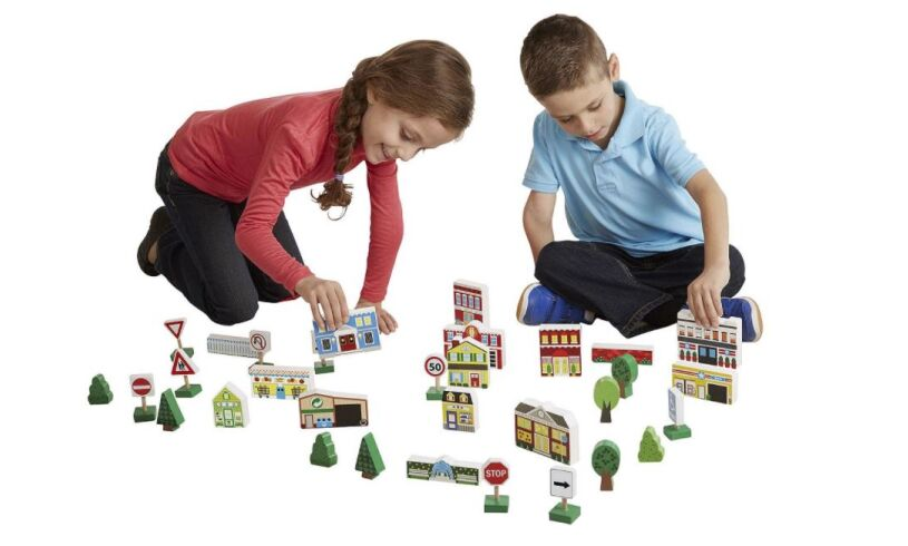 Melissa & Doug Town Play Set