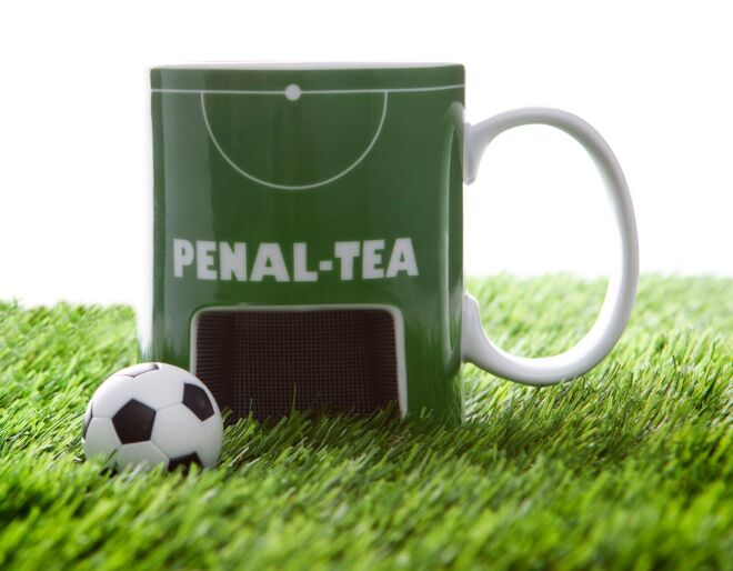 Penal-Tea Mug & Ball Set