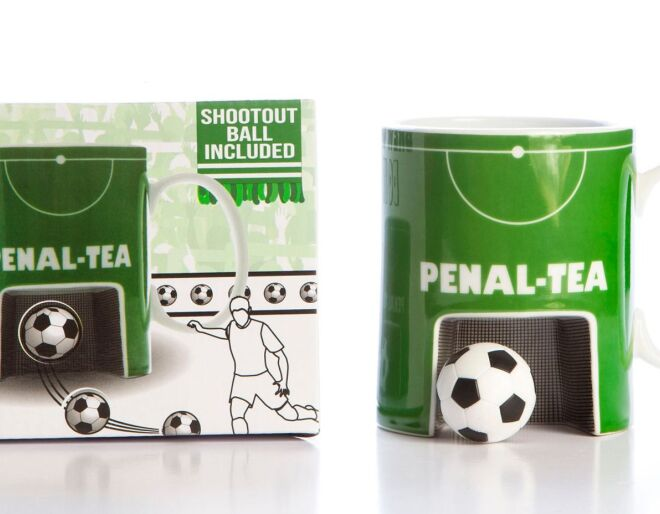 Boxer Gifts Penaltea Mug & Ball Set