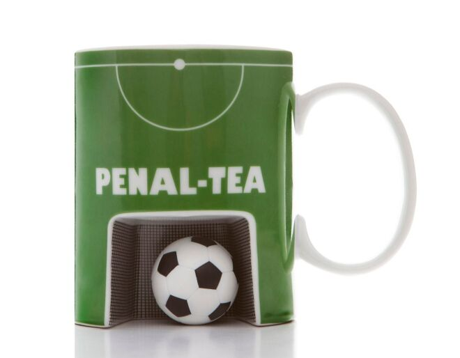 Penaltea Mug & Ball Set