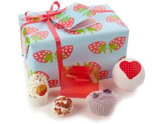 Strawberry Patch - Luxury Bath Gift Box
